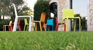 Podo multi-coloured plastic dining chairs