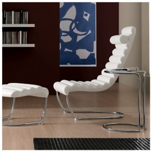Aine chair in white