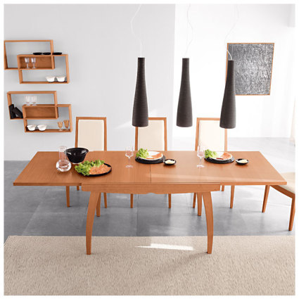 Set the scene: the galaxy extending table from Danetti