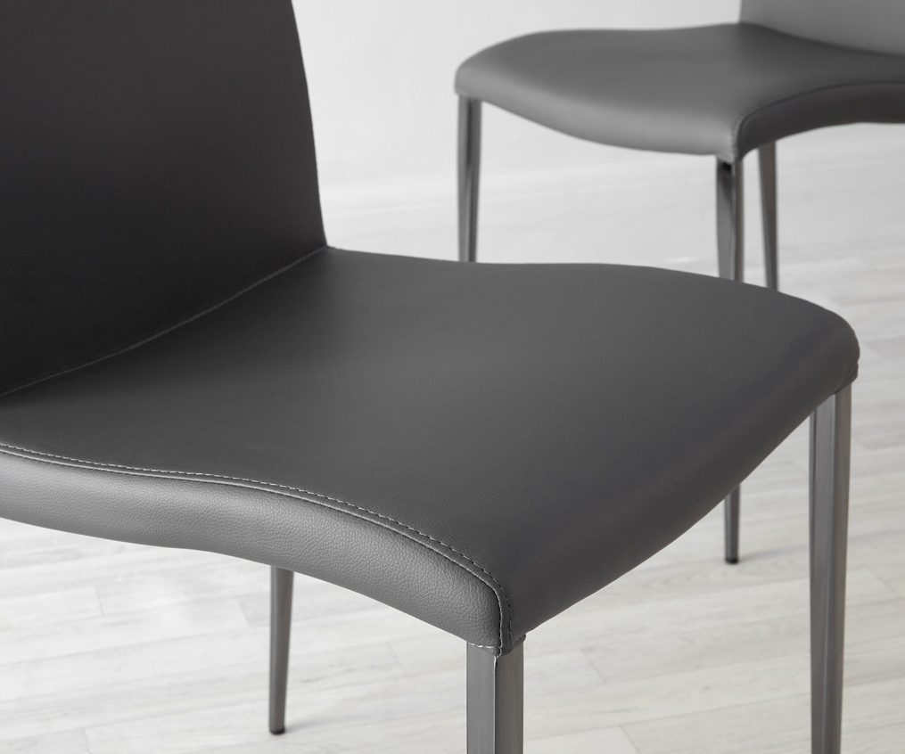 The gentle curve in the Elise will keep you sitting comfortably and supported when seated.