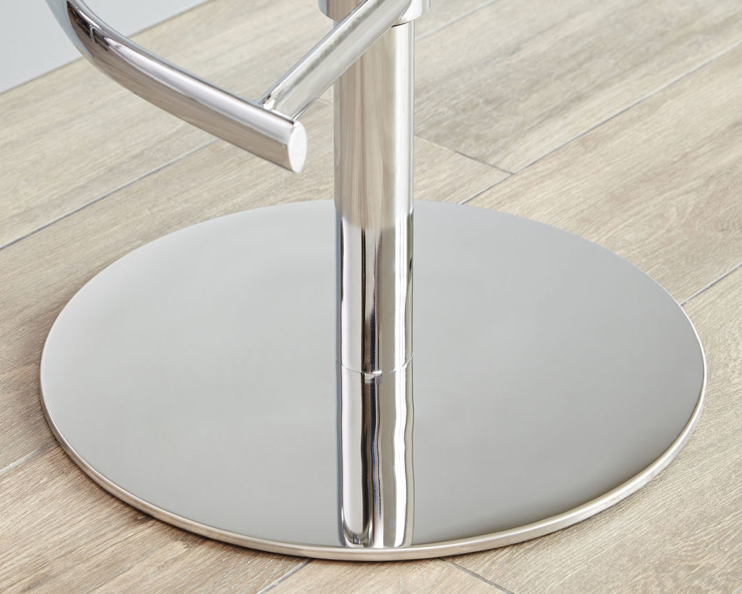 Chrome is so easy to style alongside a variety of finishes. You'll have no trouble introducing the Elise Chrome Bar Stool to your space!