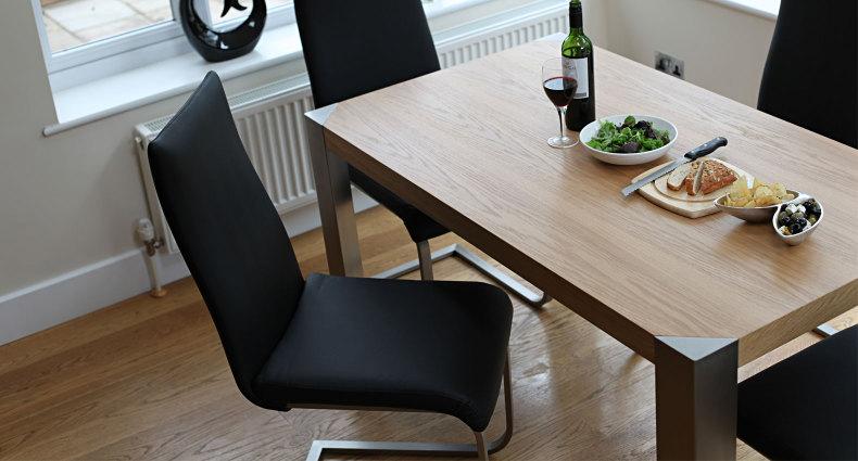 Angola Modern Oak Dining Table