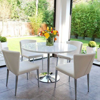 Naro White Round Dining Table and Curva Dining Chairs