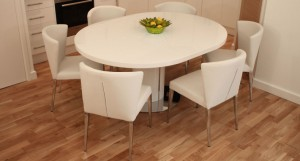 Curva White Gloss Extending Dining Set