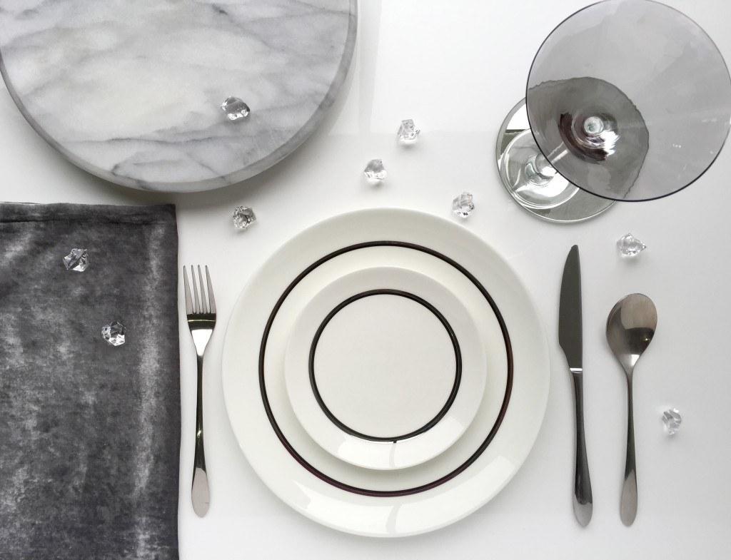 Modern Round White Gloss Extending Dining Table
