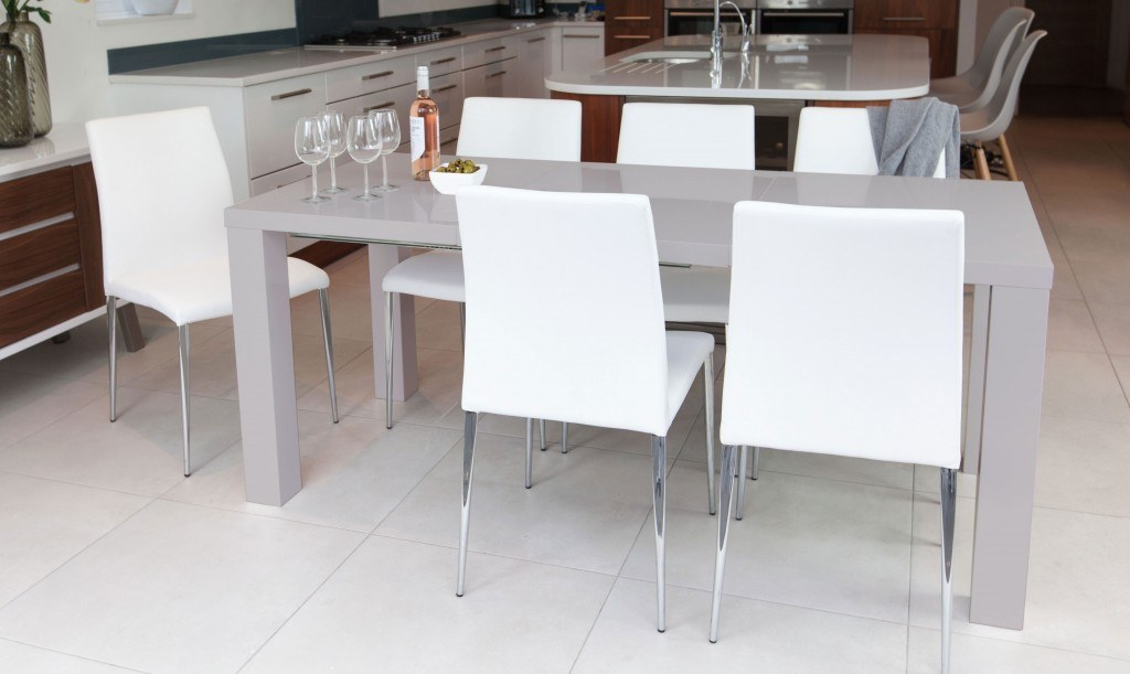 Modern Extending Dining Table Seating up to 10 People