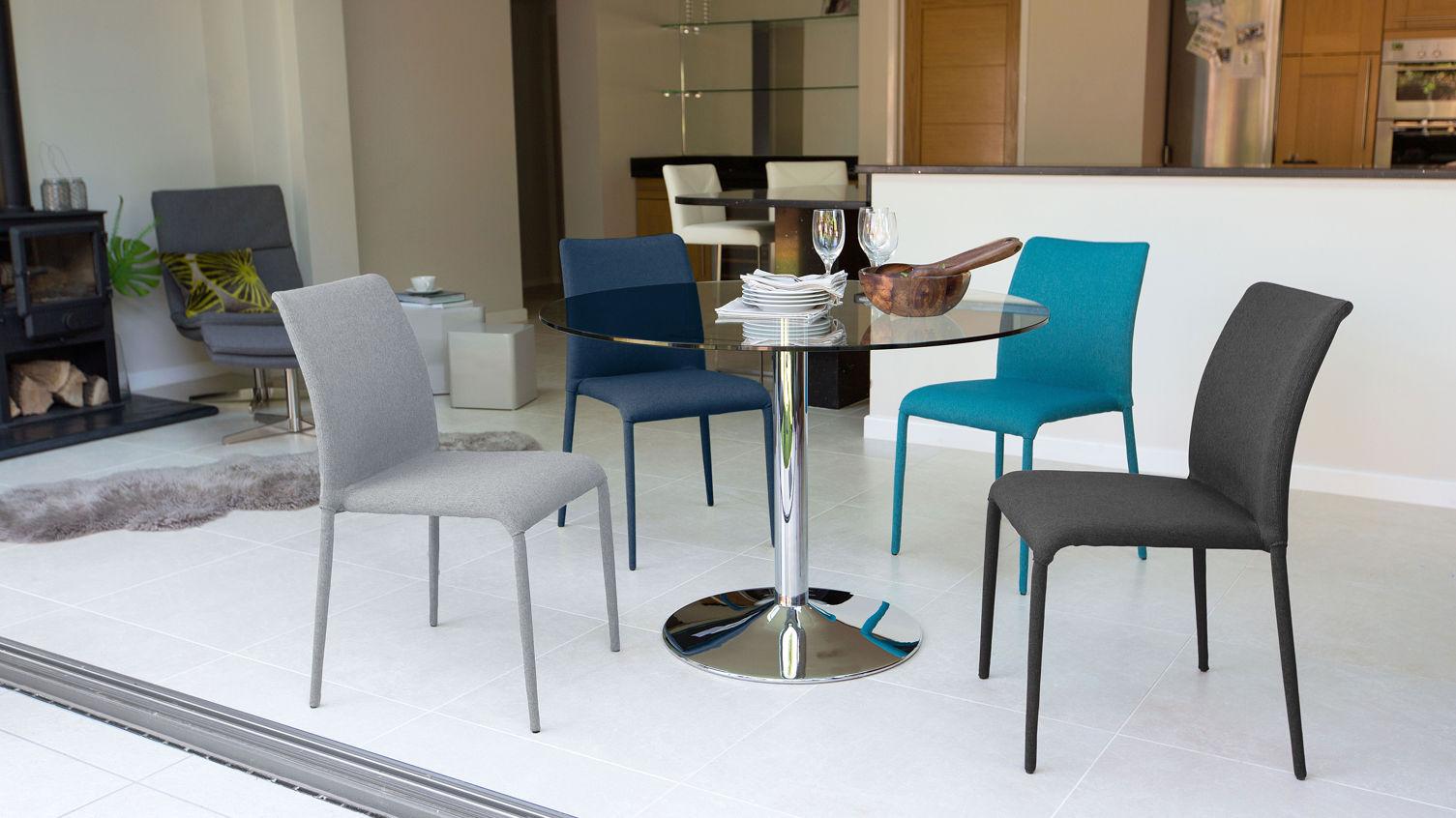 naro-round-4-seater-glass-table-4
