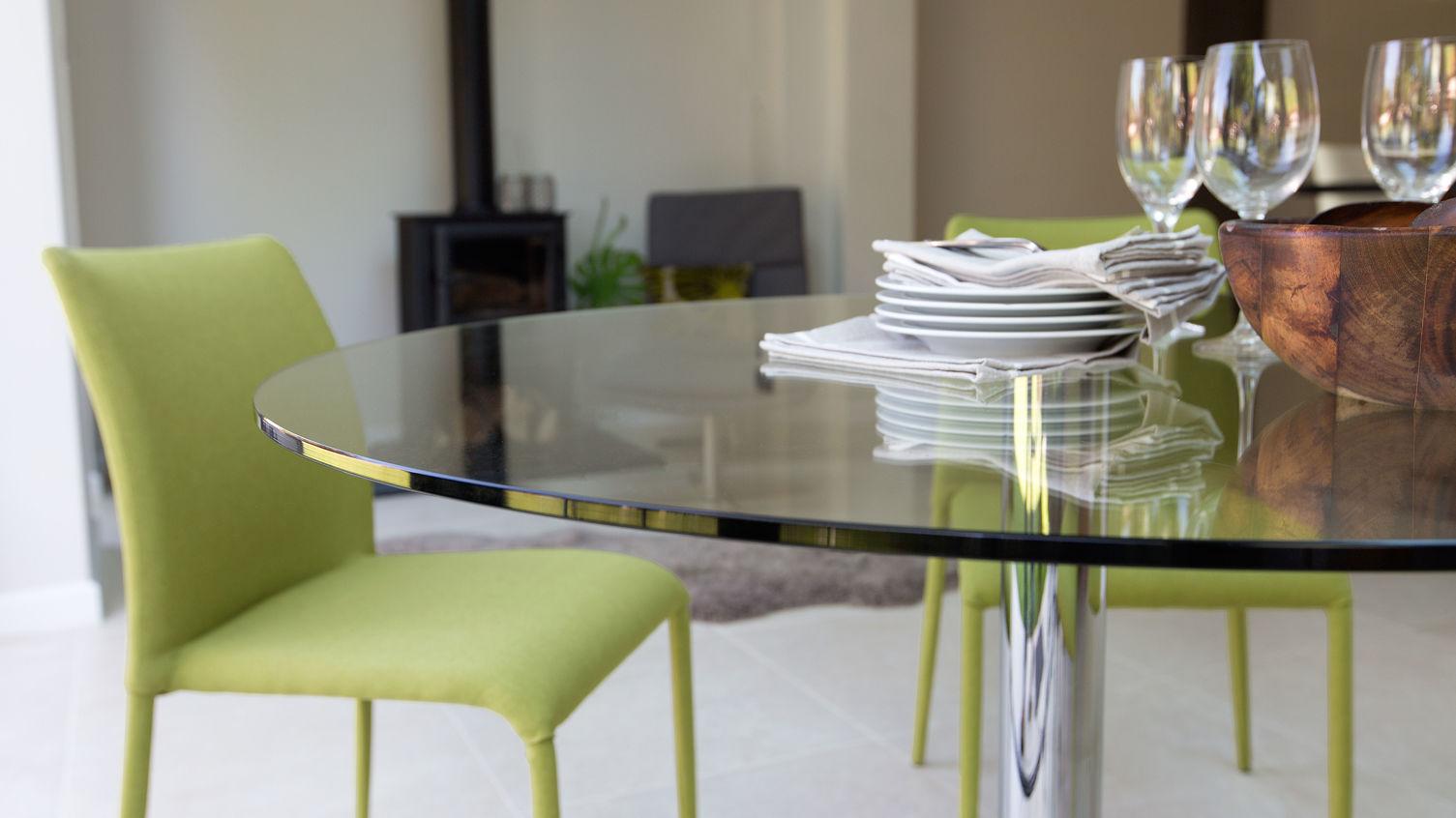 naro-round-glass-4-seater-table-7