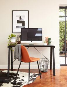 Cavour Black Glass Desk with Zilo Chair