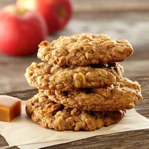 Apple and cinnamon oat cookies